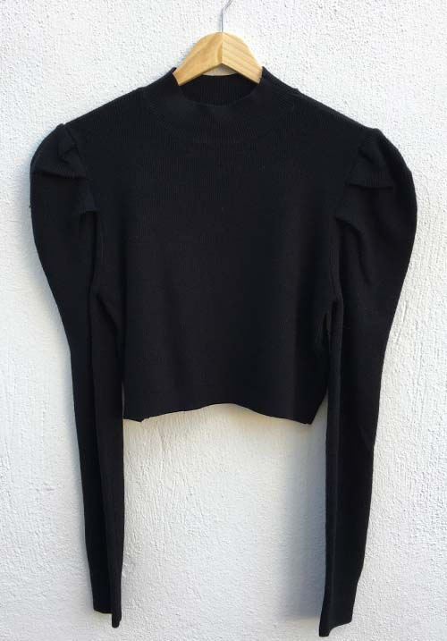 Puffy Cloud Black Knit