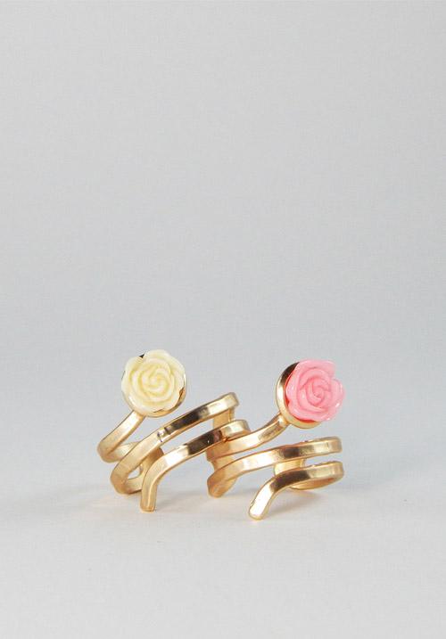 Δαχτυλίδι με  τριανταφυλλάκι