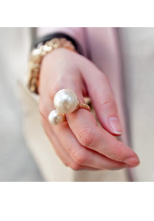 The Double Pearls Ring