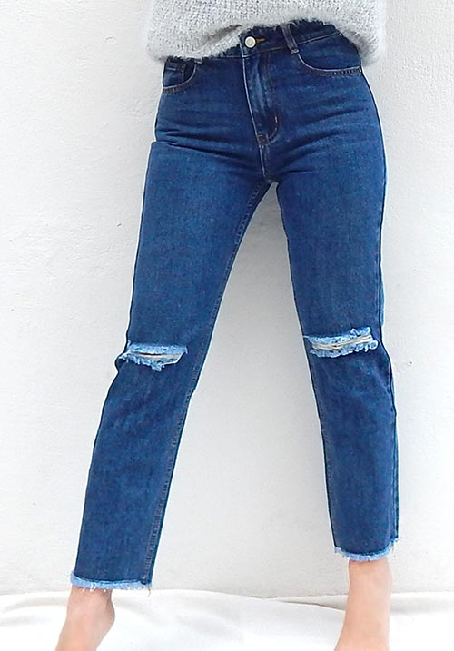 Mom Fit Ripped Jeans